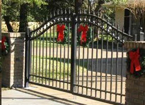 Aluminum Fencing Is A Problem Free Choice That Will Last For Many Years.